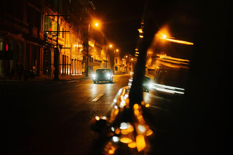 Oldtimer bei Nacht in Havanna Kuba